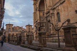 """Gran iglesia y la tumba de """"Il Valentino"""""""