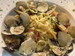 奶油蛤蜊義大利麵 / Pasta alle vongole in cream sauce / パスタ・アッレ・ヴォンゴレ・クリームソース
