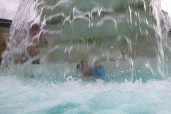 Chute d'eau massante