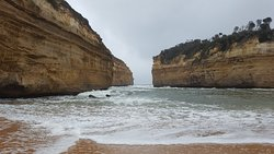 Reverse Great Ocean Road and 12 Apostles Tour from Melbourne