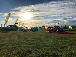 do you wants to find a good place to practice Kite? just come to the Kite School Sicily Ariel !!