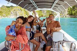 High speed dive boats can take you to over 288 dive sites around the hotel