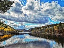 Un lac proche du Gite Le Grandelinois.