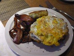 The Savvy Sailor - eggs & bacon