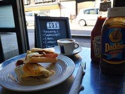Nosh Sandwich & Coffee Shop