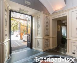 Entrance at the Hotel San Anselmo