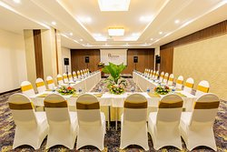 Our Riverside meeting room offer up to 135 seats with 145 sqm