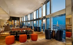 WINDO Bar at Hyatt Regency Paris Etoile