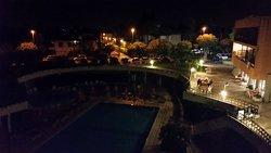 Vista dal balcone notturna