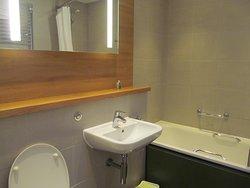 New Woodland Lodge bathroom