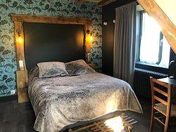 Chambres avec vue sur le Lac du Guéry, le massif du Sancy ou les volcans alentour.