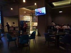 Zing Restaurant & Bar