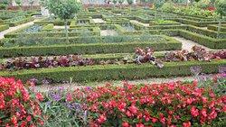More ornamental gardens