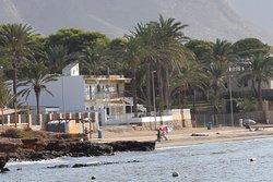 The start of the beach at Playa de Isla Plana
