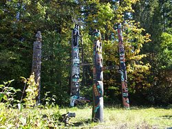 The totem poles were amazing but very crowded.