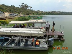 przystań na Półwyspie Mweya
