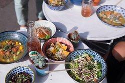 Ceviche saumon, Poké bouef, Salade quinoa, Slider de thon fumé