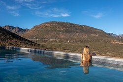 Pool overlooking the cederberg mountains