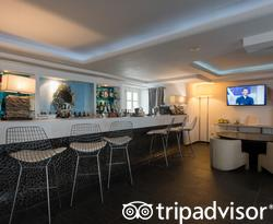 Bar at the Aressana Spa Hotel and Suites