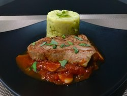 Tuna stake with tomato,onion,garlic sauce