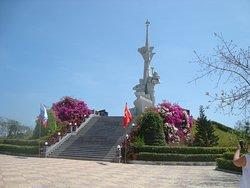 Vietnam - Russia Monument