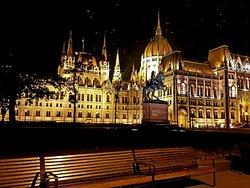 Kata Tourist guide in Budapest, professional tour guide service