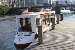 private canal boat Delphine