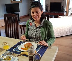 guest eating breakfast