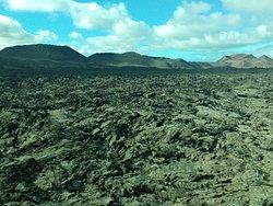 Lava sólida en la zona de volcanes