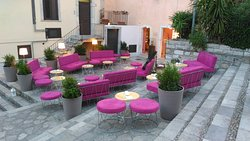Ten House - Cocktails and Live Music Taormina