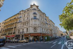 Situated between Rue Rossini and Avenue Durante, on Place Mozart is located our Brasserie.