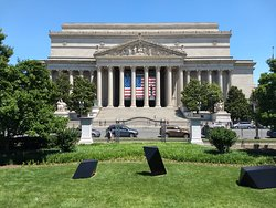 National Archives from the Art Garden across Constitution Ave
