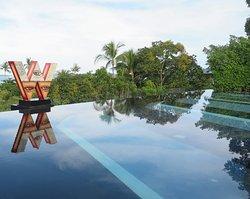 พื้นที่บริเวณชั้น3 ของตัวอาคารฟิตเนสและสปา จะเป็นสระว่ายน้ำวิว พาโนราม่าครับ