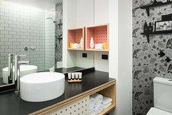 AturaAdelaideAirport Bathroom