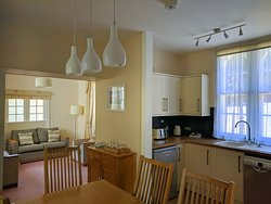 The Lodge, 2 bedroom detached property at the gate's of the Crescent
