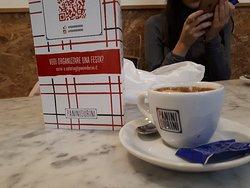 Buen café en el corazón de Milán
