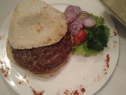 Неплохой вариант, удобно расположен, сербская кухня, для разнообразия можно посетить