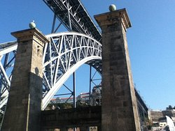 Pilares da Antiga Ponte Pensil