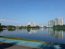 Kepong Metropolitan Lake-Garden
