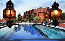 Meses Shiraz Hotel
