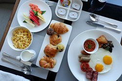 Exclusive Breakfast at the Executive Lounge