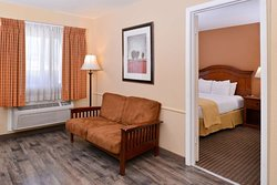 Cathedral City Hotel Guestroom