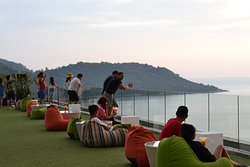Nook-Dee 360 Degree Rooftop Sky Bar