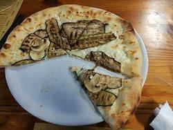 Ottima pizza locale semplice ed accogliente