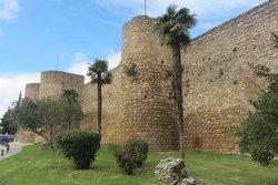 Puerta Almocabar Walls from Below