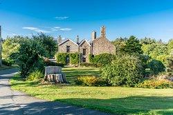 Wern Fawr Manor Farm - Country House B&B
