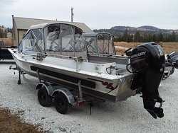 Lake Roosevelt Fishing Charters has top of the line Equipment with heated cabins for the winter months
