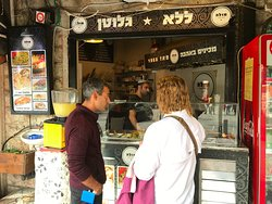 the BEST falafels in the market - thanks Assaf !  The best we have EVER had.