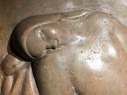 Milano, Palazzo Mezzanotte: La Vergine, gesso patinato per il segno zodiacale (particolare), esposto alla mostra Leone Lodi a Palazzo Mezzanotte