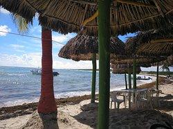 La mejor piña colada mirando al paraíso!!